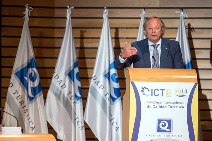 Miguel Mirones, pide un mayor esfuerzo presupuestario para el sector turístico