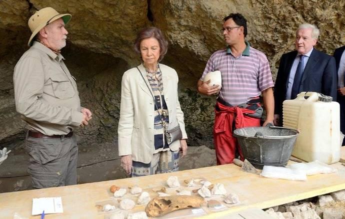 Visita de la reina Sofía a Atapuerca