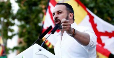 Abascal mete presión a Ciudadanos: 'Será imposible apoyar gobiernos de quien no se siente a dialogar con Vox'