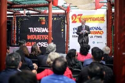 """Ministro Rodríguez: """"El turismo es una de las industrias más dinámicas y de mayor crecimiento dentro del panorama nacional"""""""