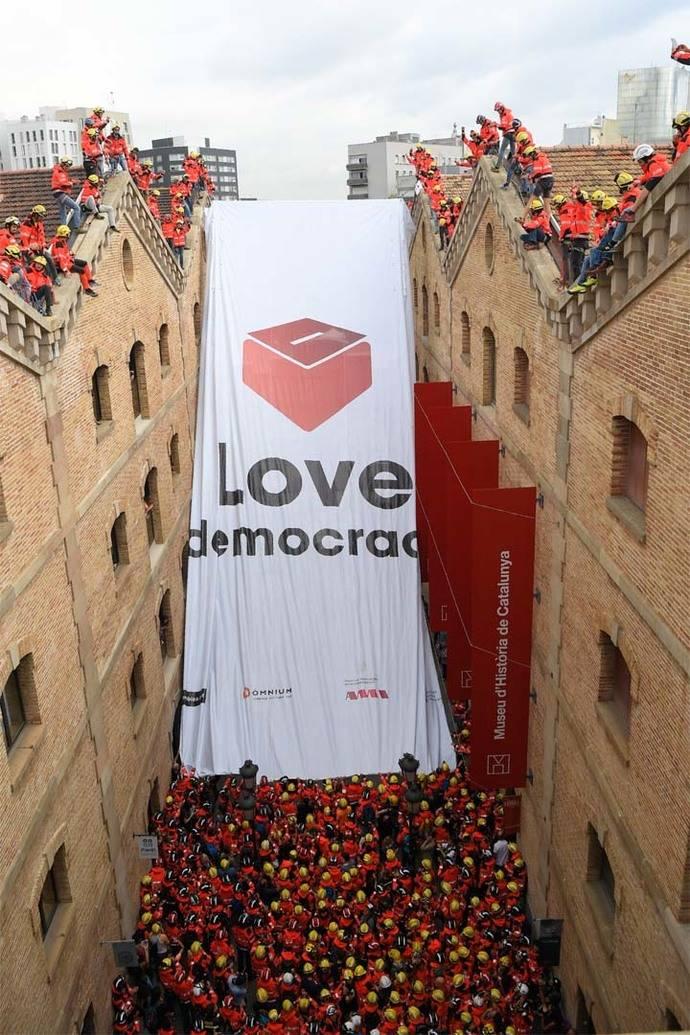 Sigue tenso el ambiente en España por el referendo de Cataluña