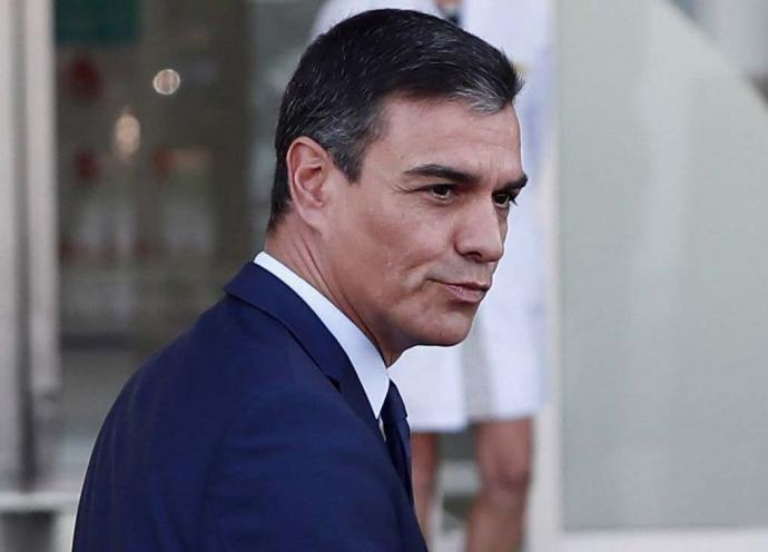Pedro Sánchez acude al hospital para visitar al rey Juan Carlos