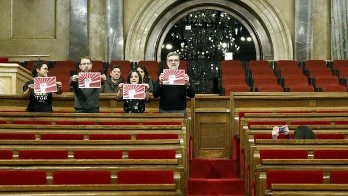 El Gobierno celebra que se aplace la sesión para investir a Puigdemont