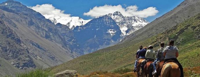 Autoridades promueven panoramas de aventura para los jóvenes que visitan Santiago durante el verano
