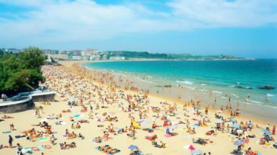"""....¿""""Ya no sirve el modelo de sol y playa masivo gestionado por los turoperadores""""?.."""