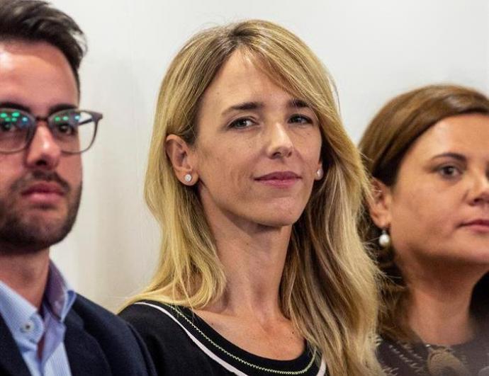 La diputada por Barcelona Cayetana Álvarez de Toledo(c), durante la reunión de la Junta directiva Nacional