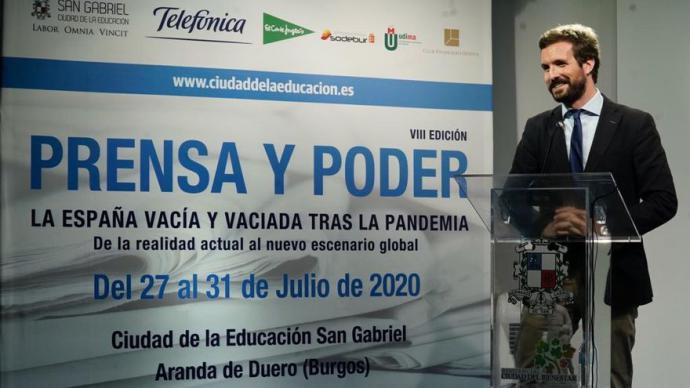 Casado, este jueves, durante el curso de verano 'Prensa y poder' en Aranda de Duero (Burgos).PP