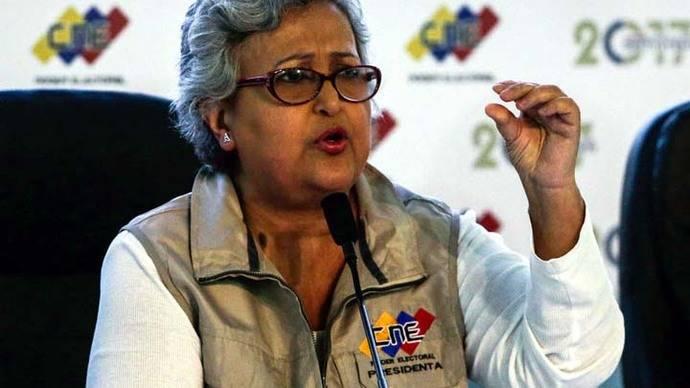 La presidenta del Consejo Nacional Electoral, Tibisay Lucena