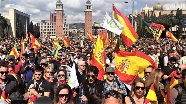 Vox no consigue llenar la avenida Maria Cristina de Barcelona