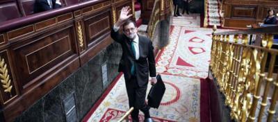 El presidente del Gobierno abandona el hemiciclo tras su última intervención | DANI GAGO