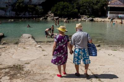 El señor y señora Smith con  seguridad  volverán este verano...
