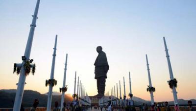 India: Inauguran estatua de 182 metros, la más alta del mundo