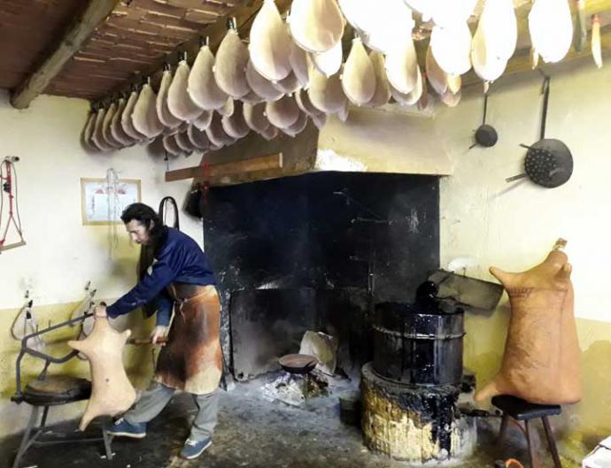 Antonio Fresneda en su taller