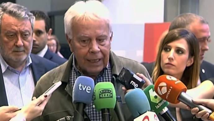 La despedida a Chacón no consigue aplacar la división en el PSOE