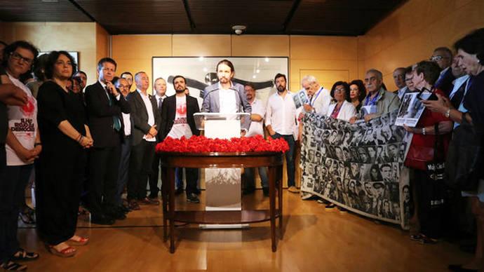 Unidos Podemos lleva la memoria antifranquista al homenaje del Congreso por las primeras elecciones