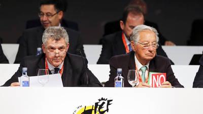 El presidente de la RFEF, Ángel María Villar, junto al vicepresidente económico, Juan Padrón