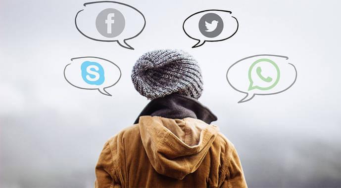 Desvelar el anonimato frena las noticias falsas en las redes sociales