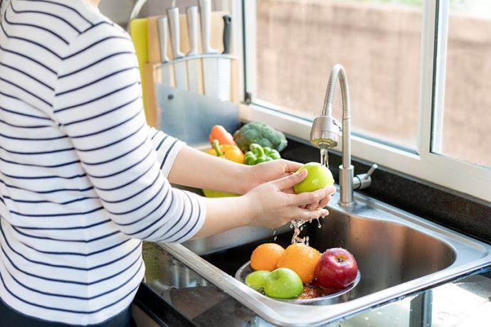 Cómo prevenir los trastornos digestivos típicos del verano