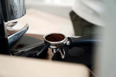 Por qué beber café regularmente es bueno para la salud y cómo preparar el café más rico