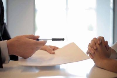 Descubre todo lo que hay que saber a la hora de contratar los servicios de un notario