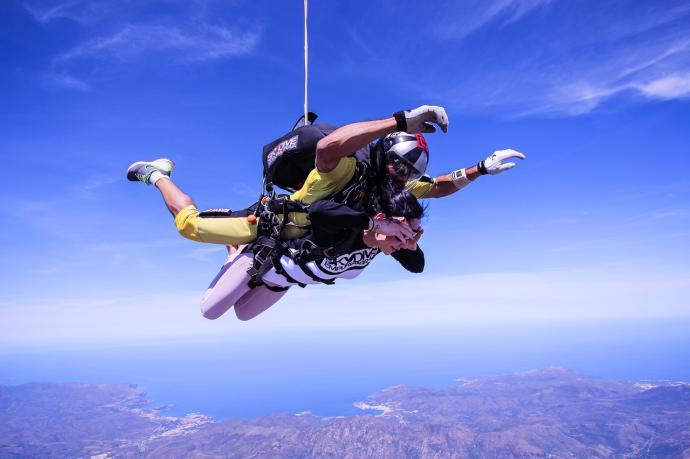 6 Mejores sitios para hacer paracaidismo en España