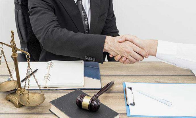 ¿Cómo saber qué tipo de abogado contratar? Todo depende del caso
