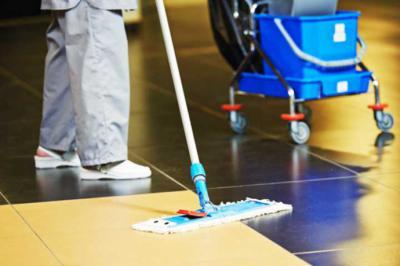 Las ventajas de contratar un equipo de limpieza para el mundo empresarial