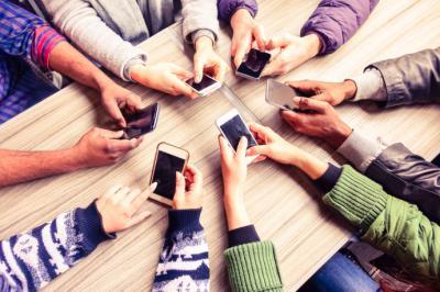 ¡Tu teléfono inteligente te espía! Aquí te explicamos cómo proteger tu privacidad