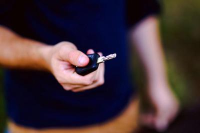 ¿Compensa un coche de renting?