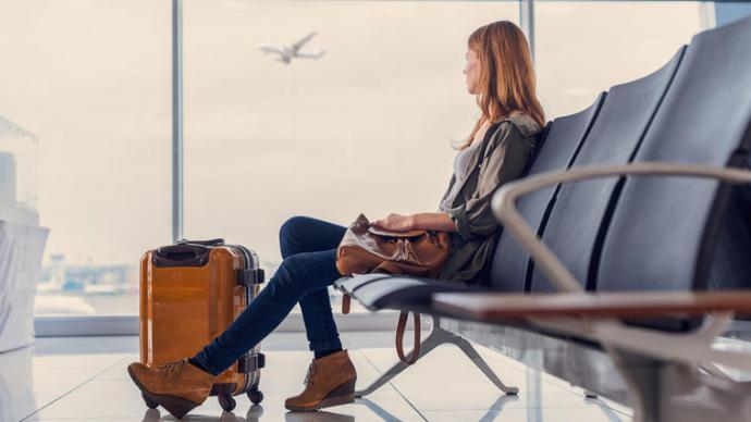 Esperando abordar un avión con destino a Europa, en algún país sudamericano (imagen de referencia)