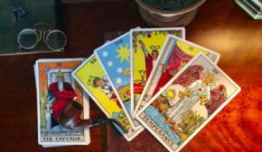 Encontrar las respuestas del amor en las cartas