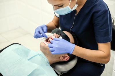 Carillas dentales: tipos y ventajas de utilizar este sistema para corregir problemas dentales