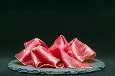 El jamón serrano: una delicia que no puede faltar en la mesa