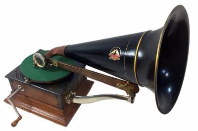 El Museo de Bellas Artes de Santa Cruz de Tenerife, expone una colección de reproductores de sonido de los siglos XIX y principios del XX.