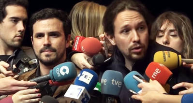 Alberto Garzón (i) y Pablo Iglesias en una foto de archivo