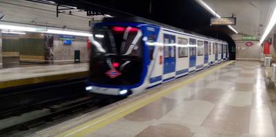 La huelga de metro complica el transporte durante el Orgullo LGTBI, pero los taxistas desconvocan los paros