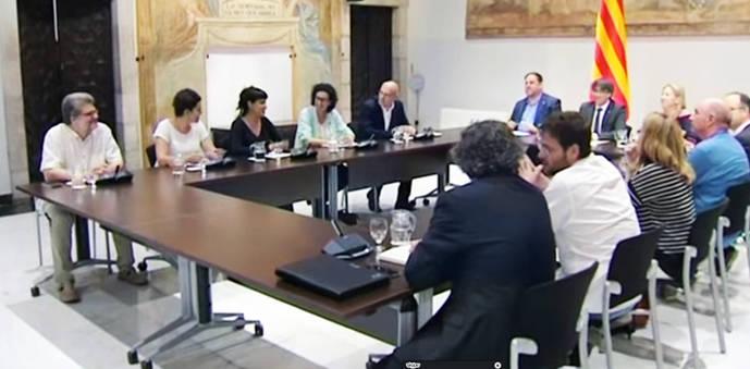 La reunión de los partidos prorreferéndum acaba sin consenso sobre una convocatoria no pactada