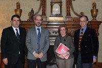 El rector de la Universidad, Daniel Hernández Ruipérez, recibe al embajador de Chile en España, Gonzalo Martner